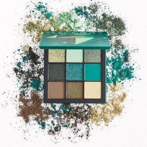 💥HP💥Huda Beauty Obsessions Palette in Emerald
